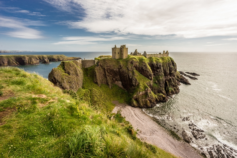Aberdeen Coach Tour to Dunnottar Castle, Royal Deeside & Cairngorms National Park